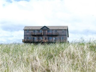 Oceanfront Vacation Rental - Steps to beach and the Discovery Trail