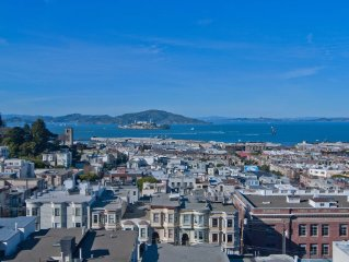 Spectacular Russian Hill Pied-a-terre With Panoramic Bay View
