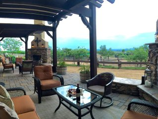 4 Luxurious Ranch Villas-Romantic Place To Stay In Wine Country-Rock Grotto Shwr