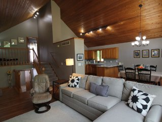 Modern Country Villa On Peaceful Lot in Rochester 6 Miles from Mayo Clinic
