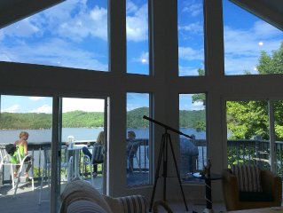 Lakefront Home ~ Miles & Miles Of Lake VIEWS!! Pontoon or fishing boat Rental!