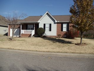 Close To Old Hickory Lake & Downtown. Convenient to 2 major interstates.