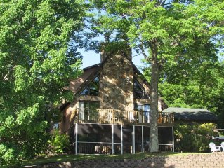 3 Bedroom Private Beach Front Chalet On Pine Lake On Over 4.5 Acres