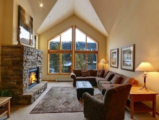4BR/4BA PENTHOUSE+Game Loft *Walk to Skiing*Close to Everything!!