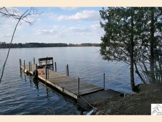 Lake Cabin,Fireplace;Wifi;TV;Dock;PoontoonBoatRental;FirePit; Families;Fishermen