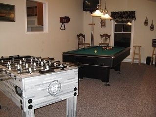 Immaculate Pocono Retreat with Awesome Game Room