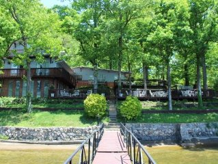 Spacious Large Family Lake Home For Rent