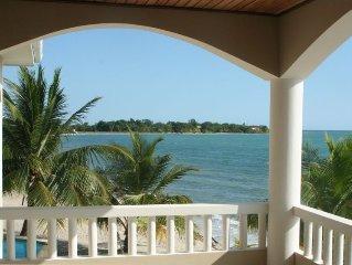 Luxury Condo Villa on the Beach, Placencia (Villa 1C)
