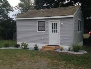Newly Renovated Cottage On Main Street - Professionally Sanitized
