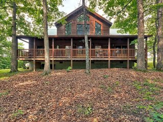 Cozy Spacious 4 Bedroom Cabin Located 2 Miles From Fall Creek Falls
