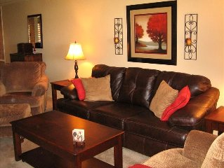 Luxury Condo With Beautiful Golf Course and Mountain Views!!