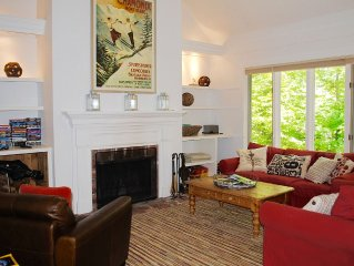 Walk to Slopes, Sugarbush Village, Castlerock Condo