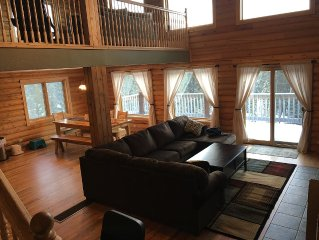 Family Friendly Secluded Luxury Cabin on 7.25 Forested Acres 30 mins from Breck!