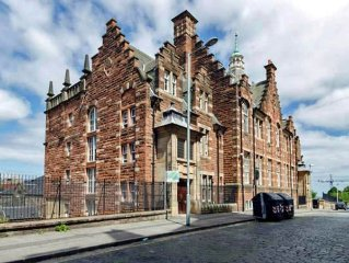Home Central: 5 Mins walk to Royal Mile! Top rated, at heart of Historical City