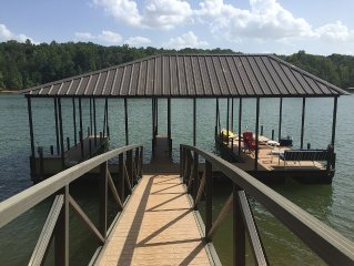 Football Weekends Available! 3 miles to CU.  Hartwell Waterfront, Pet friendly!