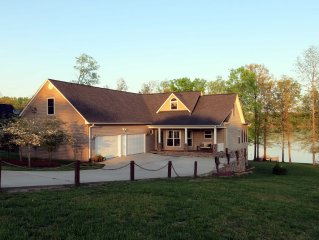Beautiful Watts Bar Lakefront home.