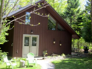 Cozy Cabin in the Woods: Between Fish Creek and Ephraim-- Perfect location!