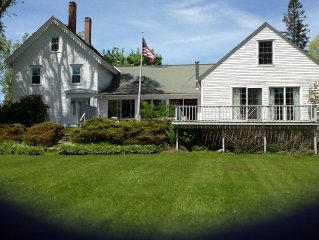 In The Heart Of Castine, 3 blocks from docks, perfect for family reunions