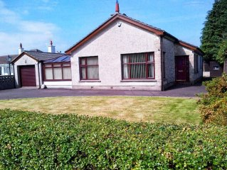 Newly Renovated Home - Ideal for Exploring Newcastle and The Mourne Mountains