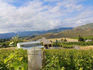 Vineyard Home near Leavenworth, Mission Ridge and Lake Chelan