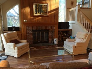 Spacious 3 Br 3 Ba Townhouse In Quechee Lakes Near Everything