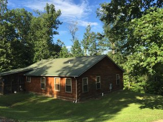 Quiet and Peaceful Setting at this Log Cabin in the Daniel Boone Nat'l Forest!