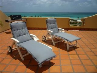 Luxury 2 BR Penthouse Eagle Beach Condo W/Private Rooftop Terrace