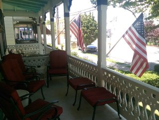 4 BR, Victorian Beach House in the Historic District, 1/2 Block to Beach & Mall