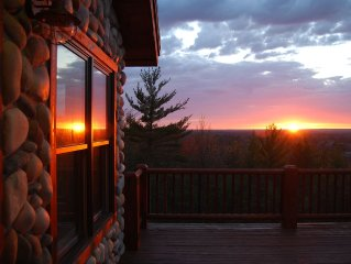 4200 Sq. Ft., Sleeps Up To 28! Great For Family/Group Vacations! Amazing View!!!