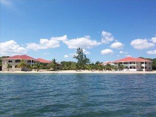Los Porticos Villas - Luxurious Beach View Condo (Villa 6C)