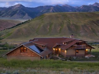 New Healthy Home, Mtn-River Retreat on Ranch with Madison Rvr