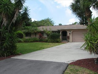 Special-Christmas on Sanibel $5100, ground level, heated pool steps to the Gulf!