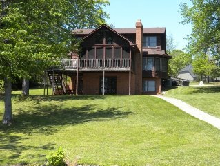 Great Multi-Family Getaway!!  Waterfont - 5 BR's