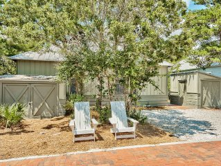'Lazy Magnolia' - Close to Beach & Pool w/4 Bikes & Beach Chairs! Near Rosemary!