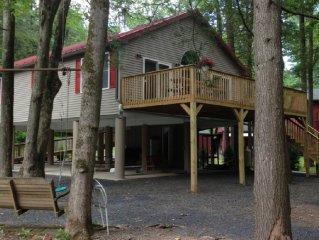 'Topl' In'  Creek-Side Cottage