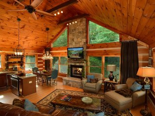 ☆ Luxury ☆ Cabin ☆3BR☆Firepit☆Fireplace☆Deck☆Porch☆3 Smart TVs☆Mountains☆Jacuzi☆