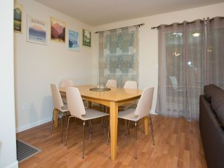 Great Views! Gateway To The Gorge Close To Shops & Resturants Downtown Troutdale