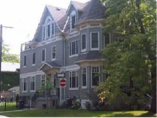 Exec home in Balmy Beach available! Small neighbourhood feel in the big city!