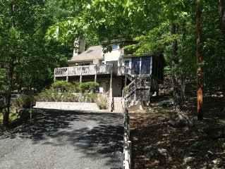 Serene family friendly retreat, full of amenities, 5 Mins to Delaware Water Gap