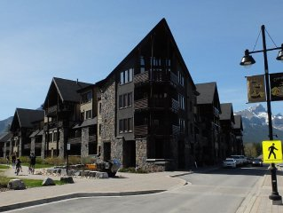Rundle Cliffs Lodge in Canmore's Spring Creek Mountain Village
