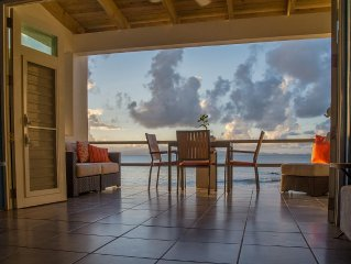 ISOLA - Stunning Urban/Beachfront Cottage with Pool. Simple. Paradise.