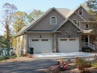 Luxury Home with Gated Entrance and Hot Tub. Also check out #818628