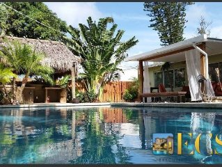LAST MINUTE SPECIALS!!Tiki Hut & Pool w/ Bar close to the beach, rest's and shop