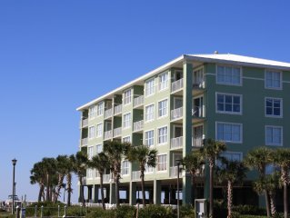 3 BR 2 Bath You Can Have It All. Beach & Bay. Late cancelation need snowbird!!
