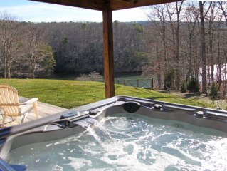 Lakefront,Hot-Tub, Fire-Pit, Dogs allowed,fireplaces, Fenced yard, Pool Table,