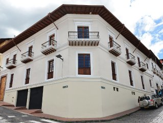 NEW! Stunning Colonial House In The Center Of Quito With Modern Finishes