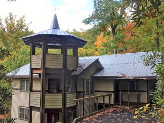 MTN CHALET–CLOSE TO ASHEVILLE & BLACK MTN–WILDERNESS VISTAS & JACUZZI
