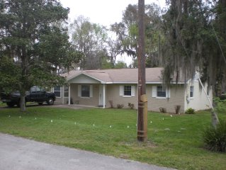 Updated Home in a Peaceful Community on Lake Harris.Convenient to Mission Inn