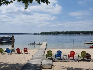 Family Friendly Cottage With Prime Lakefront Access And Views