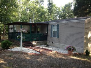 3 Bed/ 2 Bath About a Mile from Old Hwy. 25 Boat Ramp